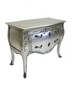 Elegantly shaped and glamorously finished in silver, this piece isn't imposing but won't go unnoticed!